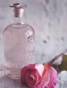 99837867 Novaya papka2 230x300 Розовая вода