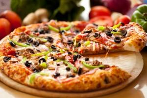 156418 4000x2667 300x200 Польза пиццы