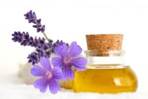lavender geranium oil 300x200 Бутылки с пробками