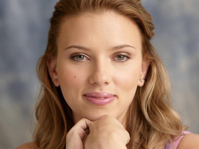 scarlett johansson closeup face 800x600 Из интервью актрис