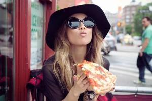 7 pizza 300x200 Почему нам хочется чего нибудь вкусненького